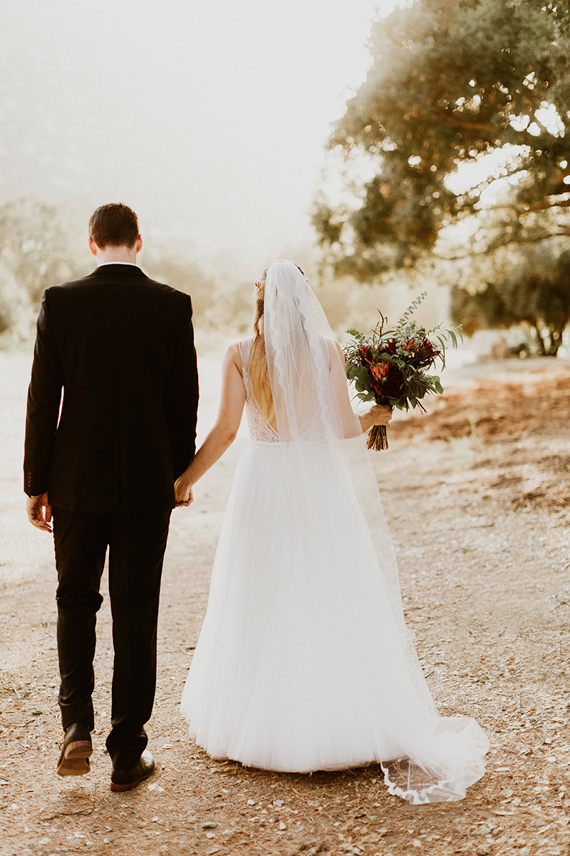 SoCal Dream Wedding | Real Bride Hanna | Made With Love Willow gown | Love and Lace Bridal Salon - www.loveandlacebridalsalon.com/blog